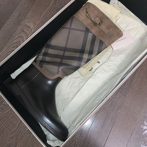 Burberry Rainboots with Leather Trim